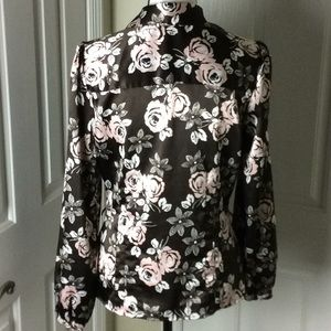 Apt. 9 Tops - Apt 9 silky flowered shirt